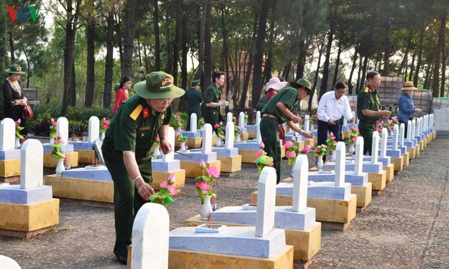 Tribute paid to fallen soldiers at former battlefields in Quang Tri