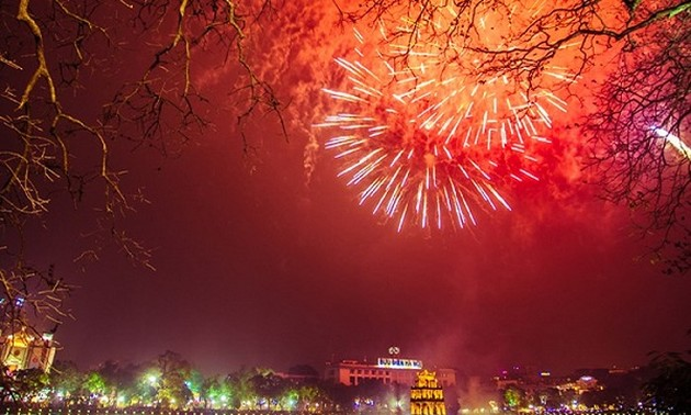 Hanoi to set off fireworks to welcome New Year 2021