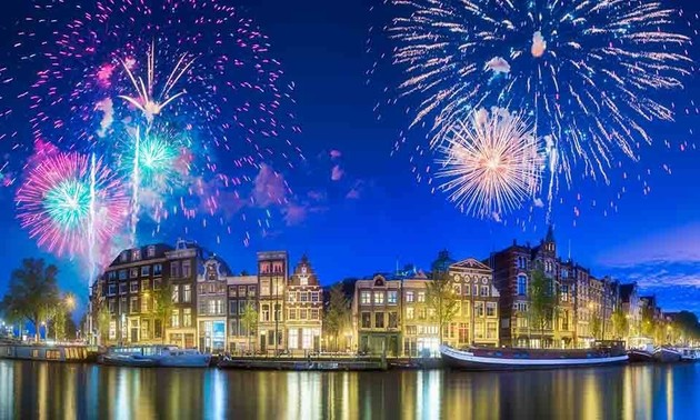 Things Dutch people do on New Year's Day