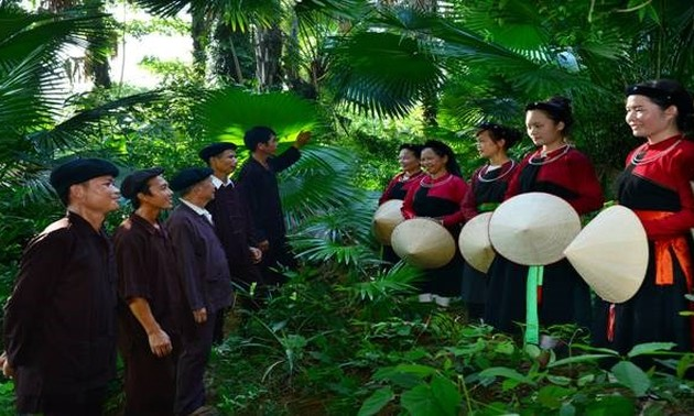 """Cao Lan ethnic group's love song chant """"Sinh Ca"""""""