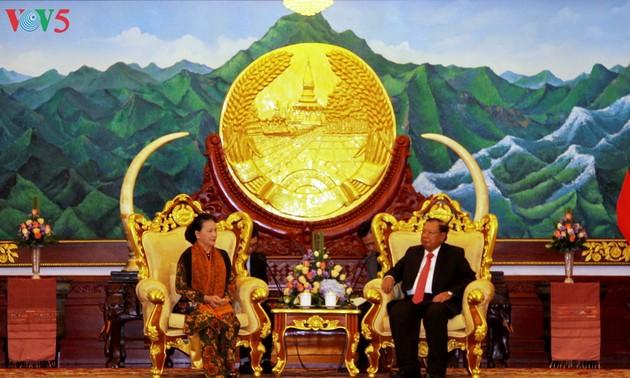 Prosiguen actividades de la líder del Legislativo de Vietnam en Laos