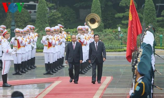 Vietnam y Camboya por profundizar lazos de buena vecindad, amistad tradicional y cooperación integral