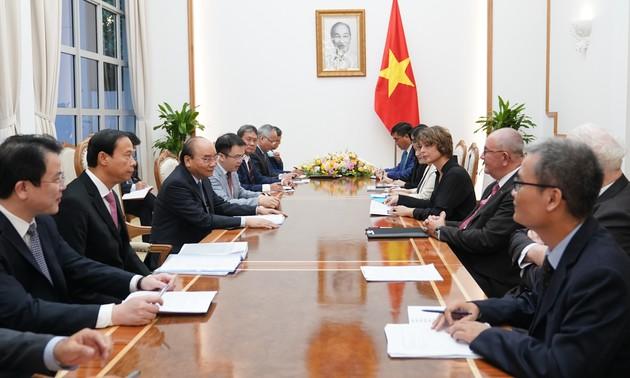 Reciben primer ministro vietnamita a embajadores de Países Bajos y Bélgica, e inversores europeos