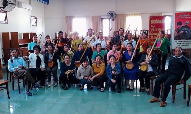 """Club del canto """"Then"""" y el laúd """"Tinh"""" nutre la vida espiritual de minorías étnicas en Tay Nguyen"""