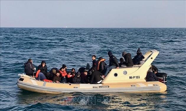 Reino Unido y Francia firman un nuevo acuerdo para evitar el cruce ilegal de fronteras