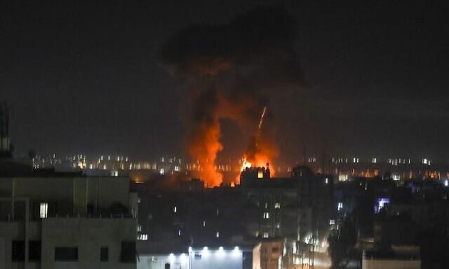 Israel bombardea instalaciones militares en Gaza