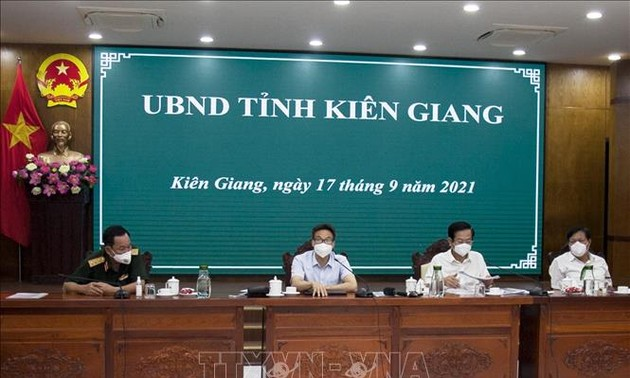 Vicepremier pide un mayor esfuerzo de Kien Giang para volver a la nueva normalidad