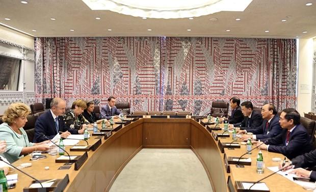 El jefe de Estado dialoga con dirigentes de países y organizaciones internacionales