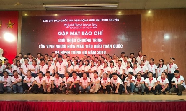 100 outstanding blood donors honored