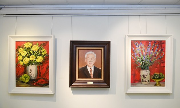 Hanoi exhibition features spring paintings