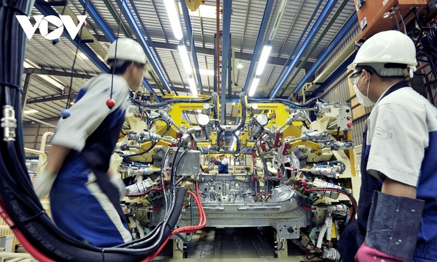 Vietnam's economy scale likely to hit 500 billion USD by year end