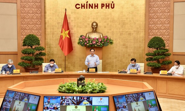 Half of new COVID-19 cases in HCM city, Binh Duong are locally transmitted: Health Minister
