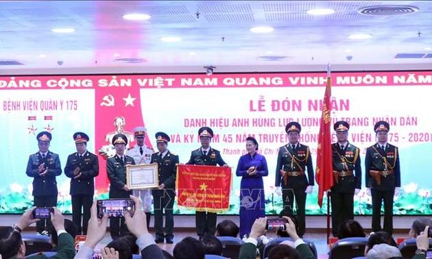 Parlamentspräsidentin Nguyen Thi Kim Ngan nimmt an Feier zum 45. Gründungstag des Militärkrankenhauses 175 teil