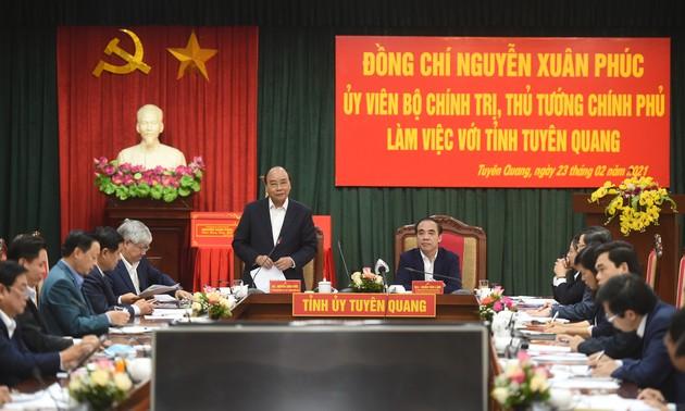 Premierminister: Tuyen Quang soll ein Entwicklungsschwerpunkt vietnamesischer Holzbranche sein