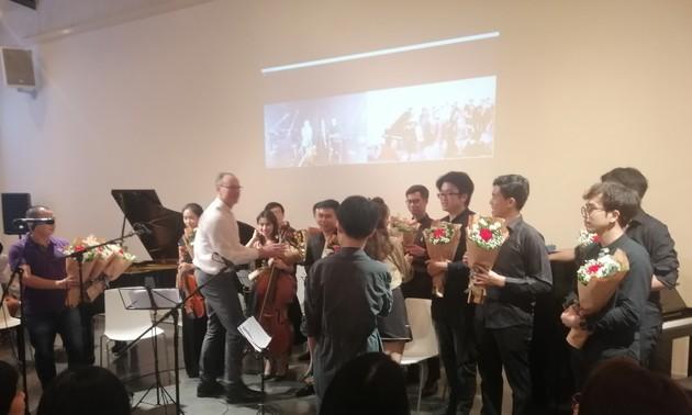 """Konzert """"Frankfurt in Hanoi, Hanoi in Frankfurt"""" – Ein Projekt verbindet Künstler aus Vietnam und Deutschland"""