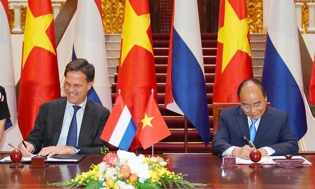 Vietnam-Netherlands ties upgraded to comprehensive partnership