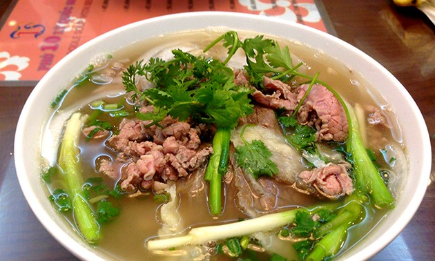 "The Guardian names Hanoi one of seven famous Asian ""food paradises"""