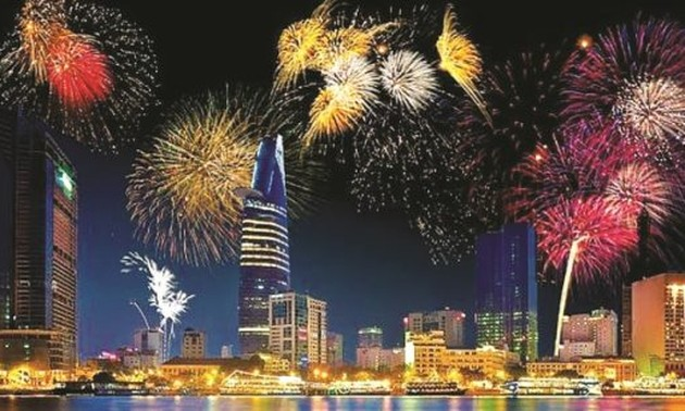 HCM city plans fireworks, outdoor concert to welcome New Year