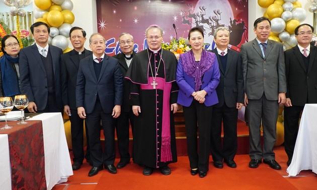Leaders congratulate Christians on Christmas 2021