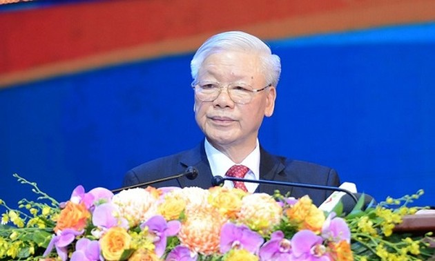 Top leader emphasizes youth's role in national development