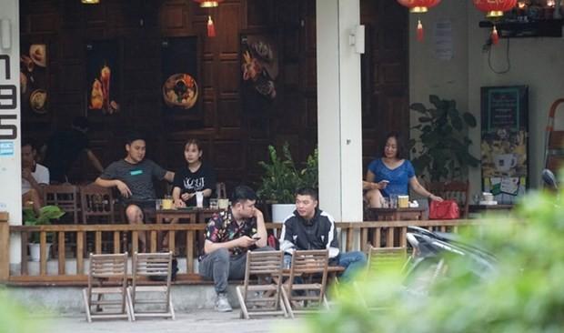 Hanoi suspends non-essential services, plans mass COVID-19 vaccination