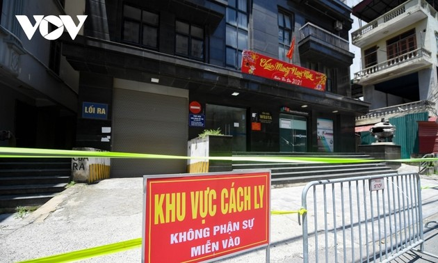 Hanoi to close non-essential businesses, ban public gatherings of more than 5