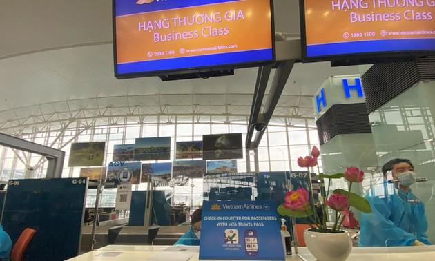 Vietnam Airlines pilots IATA Travel Pass on flight to Europe