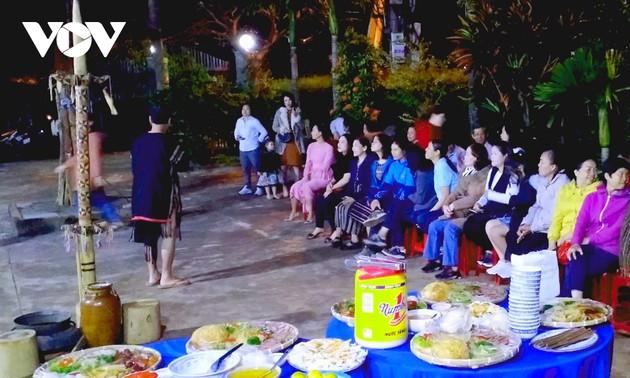 มาจังหวัด Đắk Lăk ค้นคว้าวัฒนธรรมของชนเผ่าเอเดผ่านทัวร์ท่องเที่ยวชุมชน