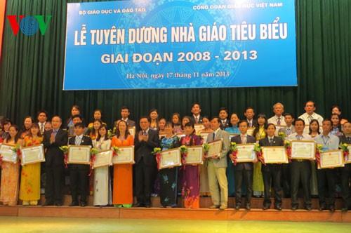 160 outstanding teachers honored