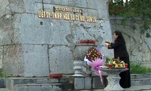 NA Vice Chairwoman pays tribute to war martyrs in Son La