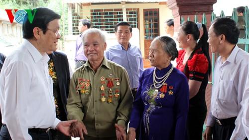 President visits former Dien Bien Phu soldiers