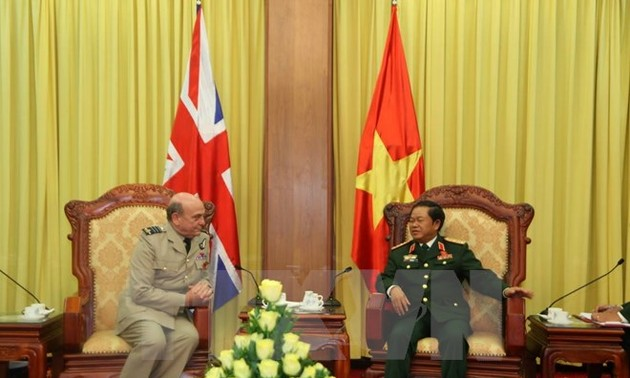 Vice Chief of the Defense Staff of the UK and Northern Ireland visits Vietnam