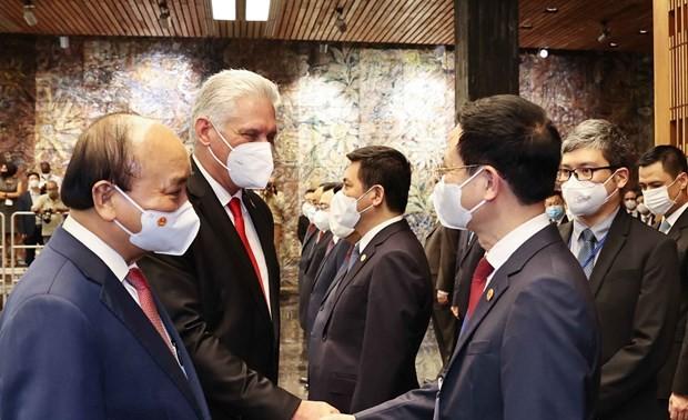 越南共产党和古巴共产党加强合作