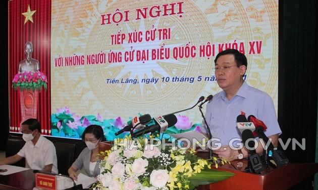Chủ tịch Quốc hội Vương Đình Huệ tiếp xúc cử tri huyện Tiên Lãng, thành phố Hải Phòng