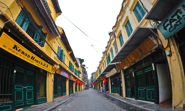 Photo exhibition featuring memories of Hanoi