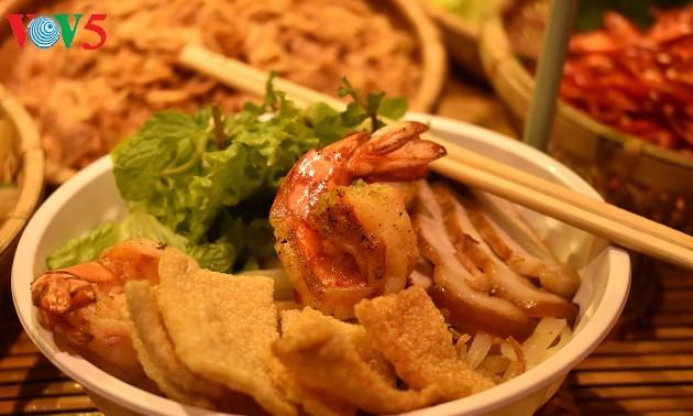 """""""Cao lau"""" y sus variedades a través de las manos de cocineros internacionales"""