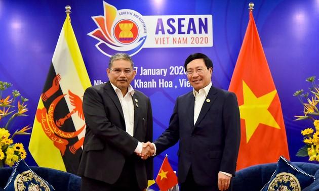 Vietnam y Brunéi estrechan cooperación en el marco de la asociación integral