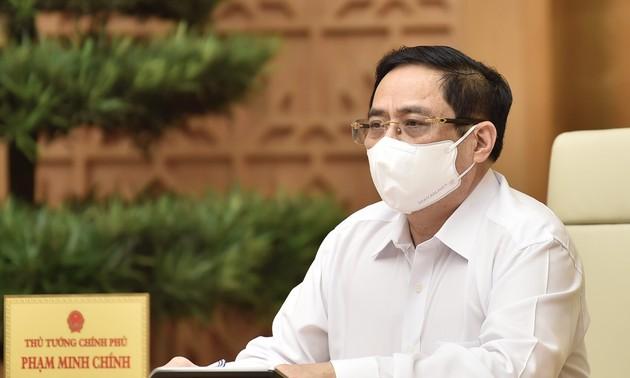 Primer ministro de Vietnam trabaja con las autoridades de Bac Ninh y Bac Giang en el combate contra el covid-19