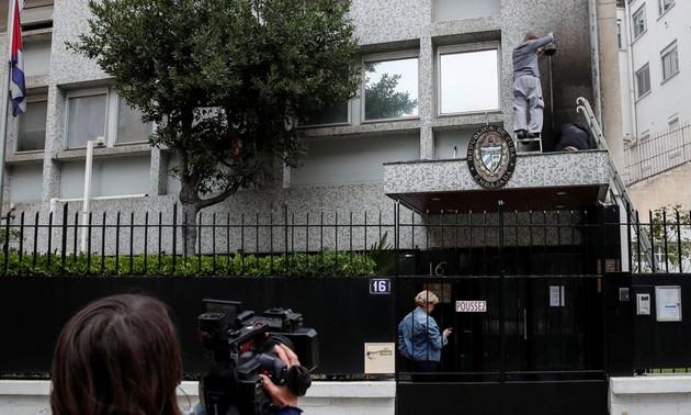 Atacan con bombas de gasolina la embajada de Cuba en París
