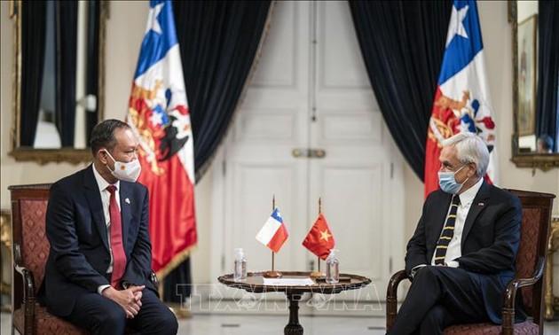 Presidente de Chile valora los lazos tradicionales con Vietnam
