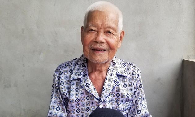 Intacto cariño de los grupos étnicos de Viet Bac por Ho Chi Minh