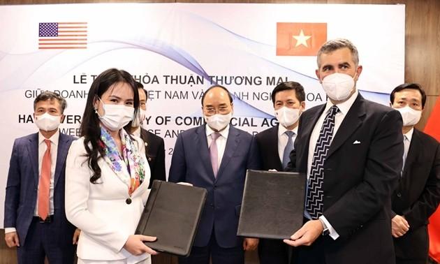 Vietnam y Estados Unidos firman memorando de entendimiento sobre cooperación en energías renovables