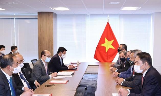 Presidente vietnamita dialoga con gerentes de corporaciones estadounidenses