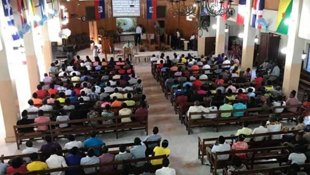 Secuestrados en Haití 17 misioneros estadounidenses y sus familias