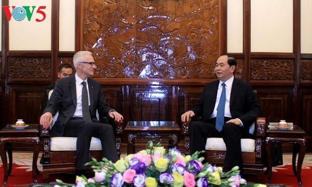 Le secrétaire général d'Interpol reçu par le président Tran Dai Quang