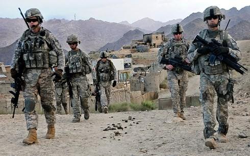 Le secrétaire à la défense américain à Kaboul pour relancer le processus de paix
