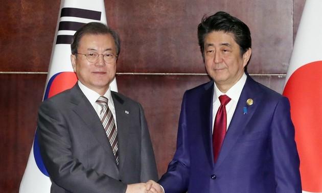 Moon Jae-in et Abe Shinzo souhaitent améliorer les relations Séoul-Tokyo