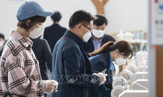 République de Corée: des élections sous haute surveillance sanitaire