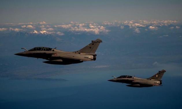 Trois appareils français interceptés au-dessus de la mer Noire par la Russie