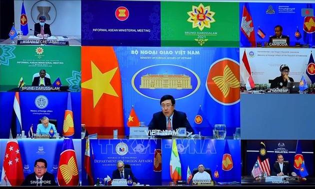 ASEAN: Publication d'une déclaration des ministres des Affaires étrangères sur le Myanmar